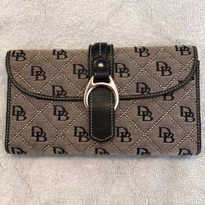 Dooney & Bourke Signature Wallet